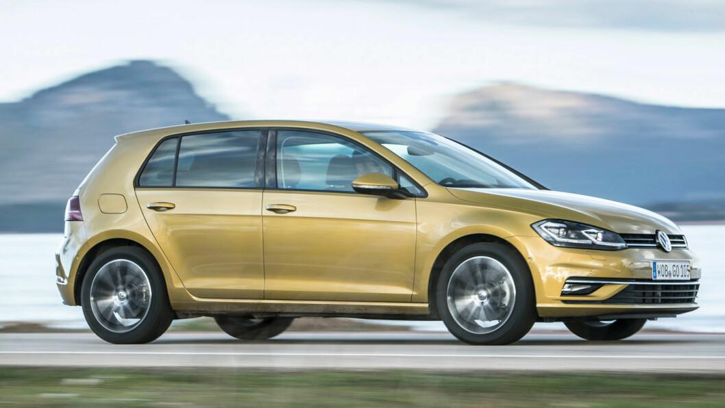 PÅ TOPP I NI ÅR: VW Golf har vært den mest solgte bilen i Norge ni år på rad, selv om salget i fjor gikk ned. Med den nye utgaven på plass, er årets salgsmål 10.000 biler. Foto: VW