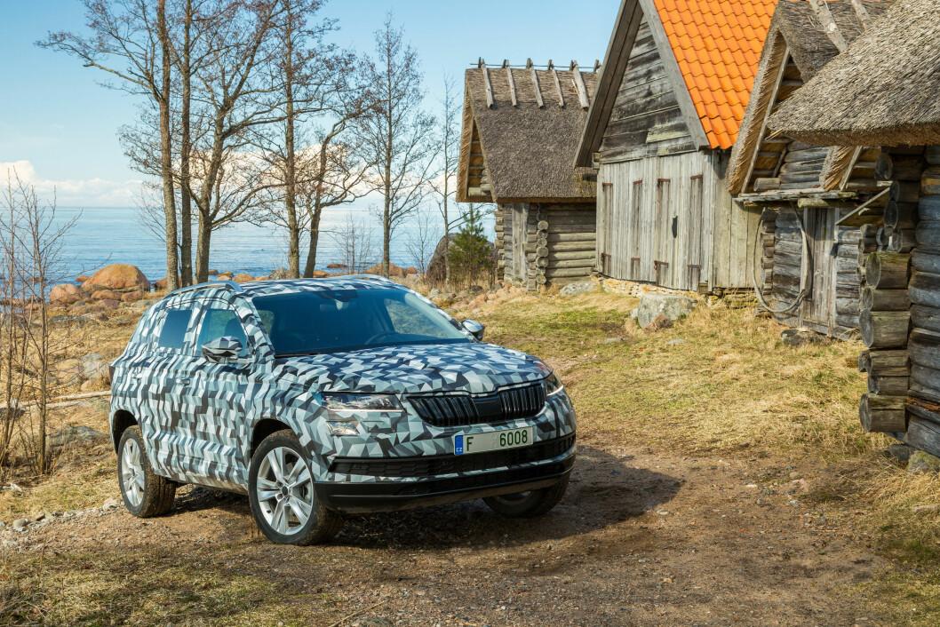 FOR MANGE: Karoq blir en kompakt SUV, som på vanlig Skoda-vis skal bli en rimelig bil for mange. Foto: Skoda
