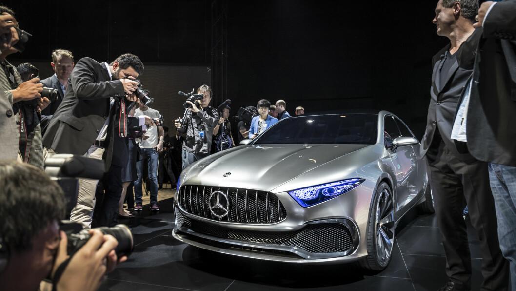 UTSEENDET TELLER: En helt ny og spennende design som i Concept A vil bli brukt i alle de kompakte bilene til Mercedes. Foto: Mercedes