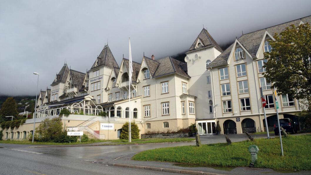 STOPP: Ærverdige Fleischer's Hotel ønsker velkommen.