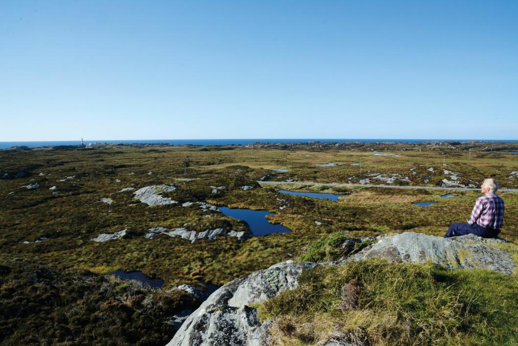 LAVFJELL: Fra Fedjebjørnen ser du hele Fedje kommune og mye mer. Foto: Per Roger Lauritzen
