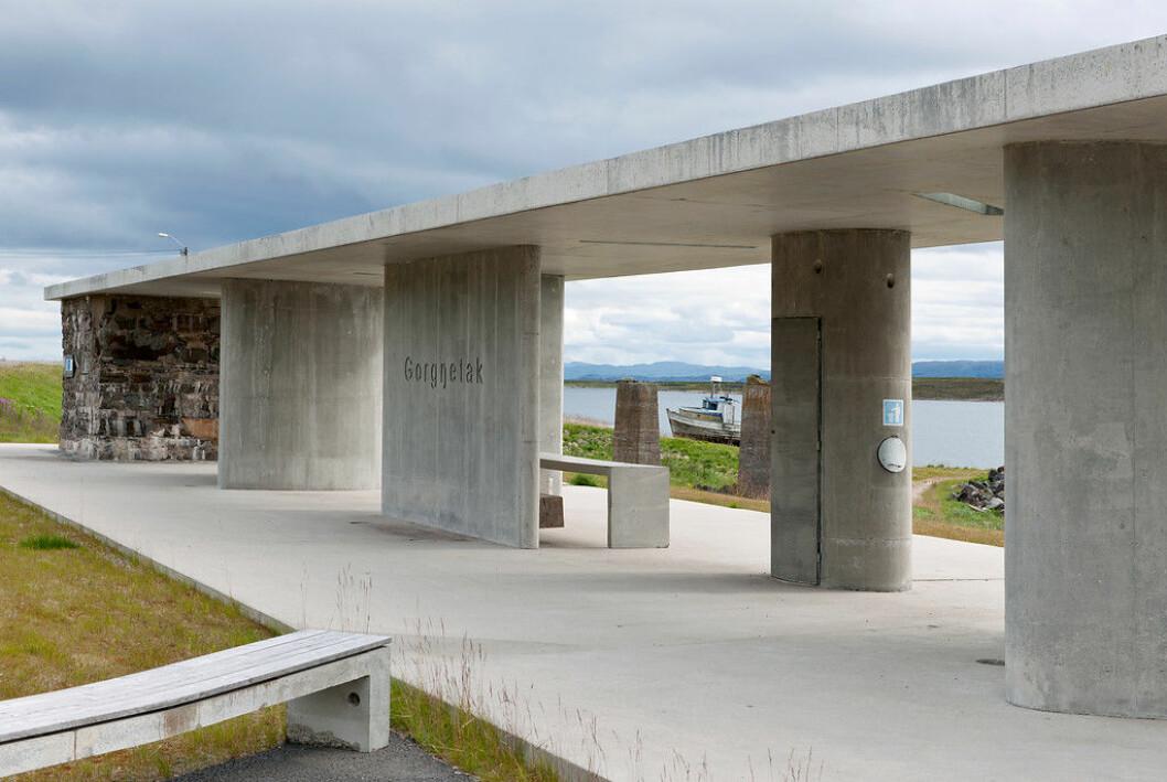 Rasteplassen Gornitak på Nasjonal turistveg Varanger, Europaveg 75 ved Varangerfjorden. Arkitekt: Margrete Friis. Landskapsarkitekt: Berg & Dyring. Foto: Jiri Havran / Statens vegvesen