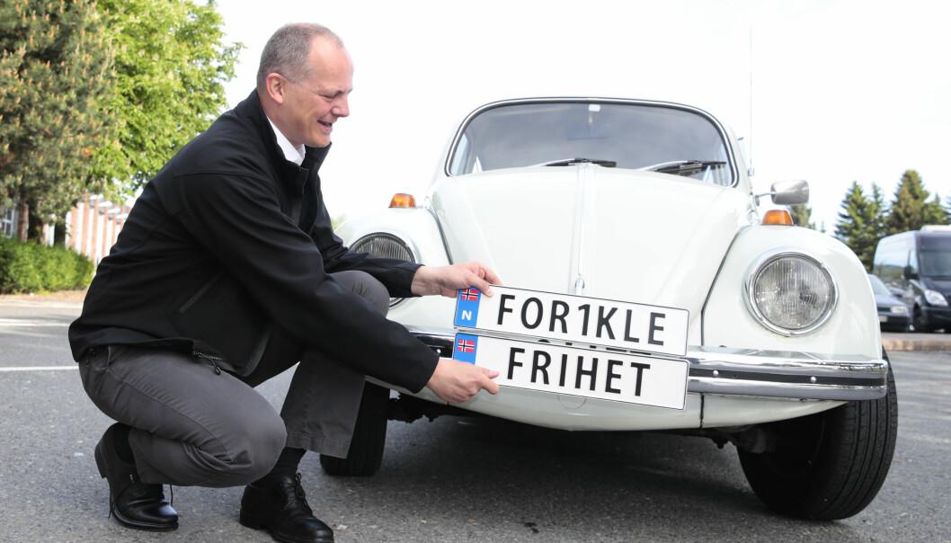 NYE SKILT: Tidligere samferdselsminister Ketil Solvik-Olsen åpner for trenden med personlige bilskilt.
