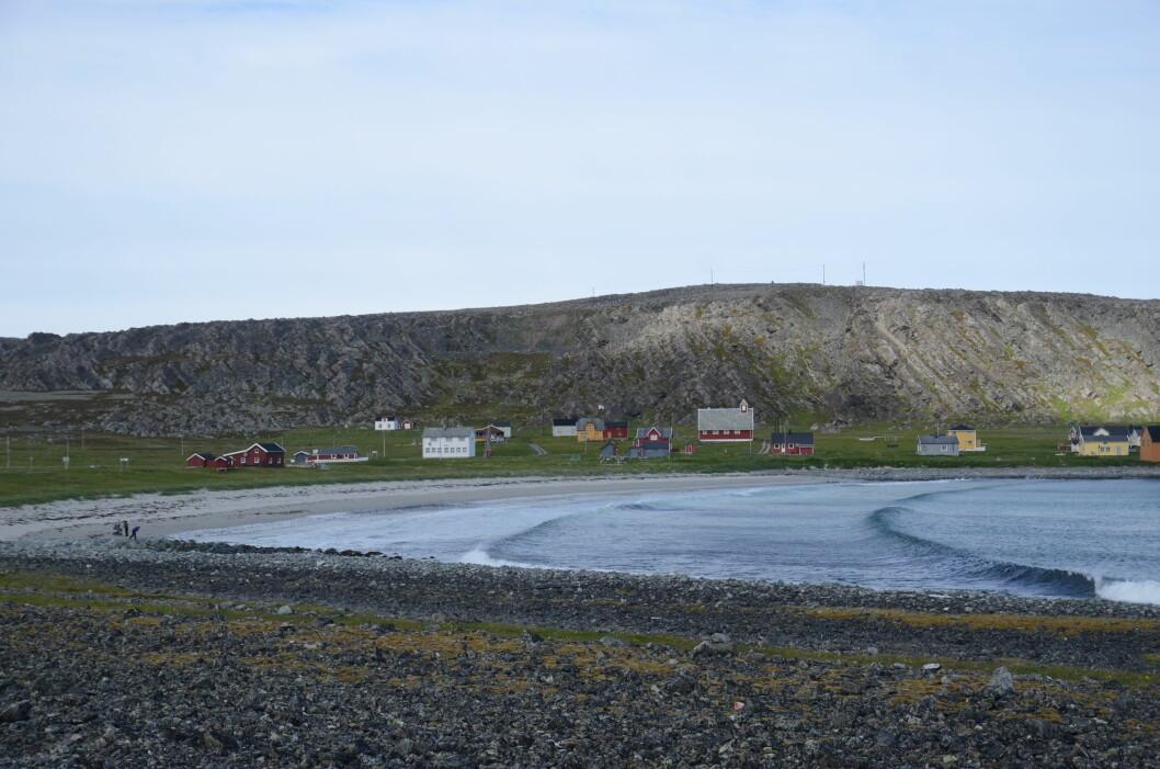 IKKE MER FISK: Bebyggelsen i det fraflyttede fiskeværet Hamningberg brukes nå stort sett som hytter