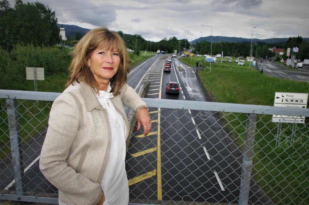MÅ VENTE: Det kan drøye lenge for den ordføreren som gir seg til å vente på ny vei gjennom Øvre Eiker. Foto: Geir Røed