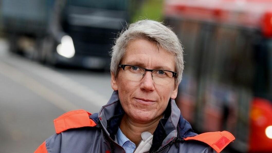«UHELDIG»: – Det er uheldig med forskjellige veistandarder på samme strekning, mener Guro Ranes i Statens Vegvesen. Foto: Knut Oppeide