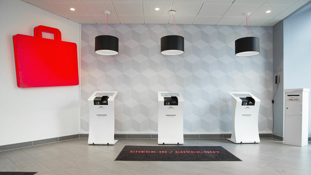 KLAR FOR NOE NYTT? Det er mye penger å spare for den hotellgjesten som vil tenke nytt i Oslo, som her fra resepsjonen på vår testvinner Citybox.