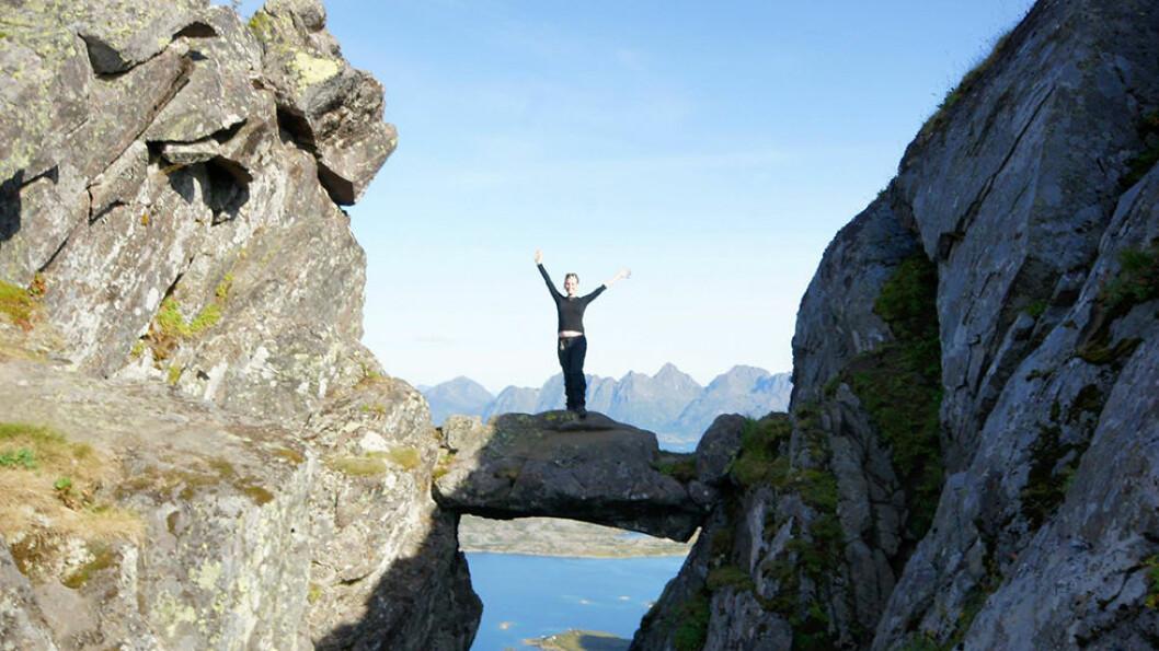 Djevelporten er en spektakulær fjelltur med utsikt over Svolvær.