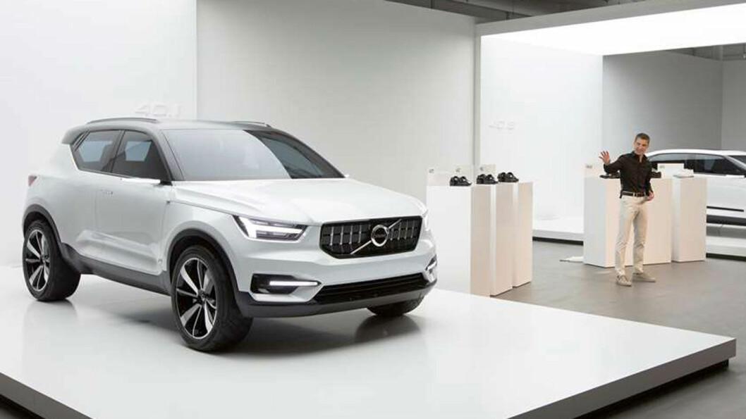 YNGRE KJØPERE: – Med XC40 sikter Volvo mot yngre bilkjøpere, sier designsjef Thomas Ingenlath. Foto: Volvo