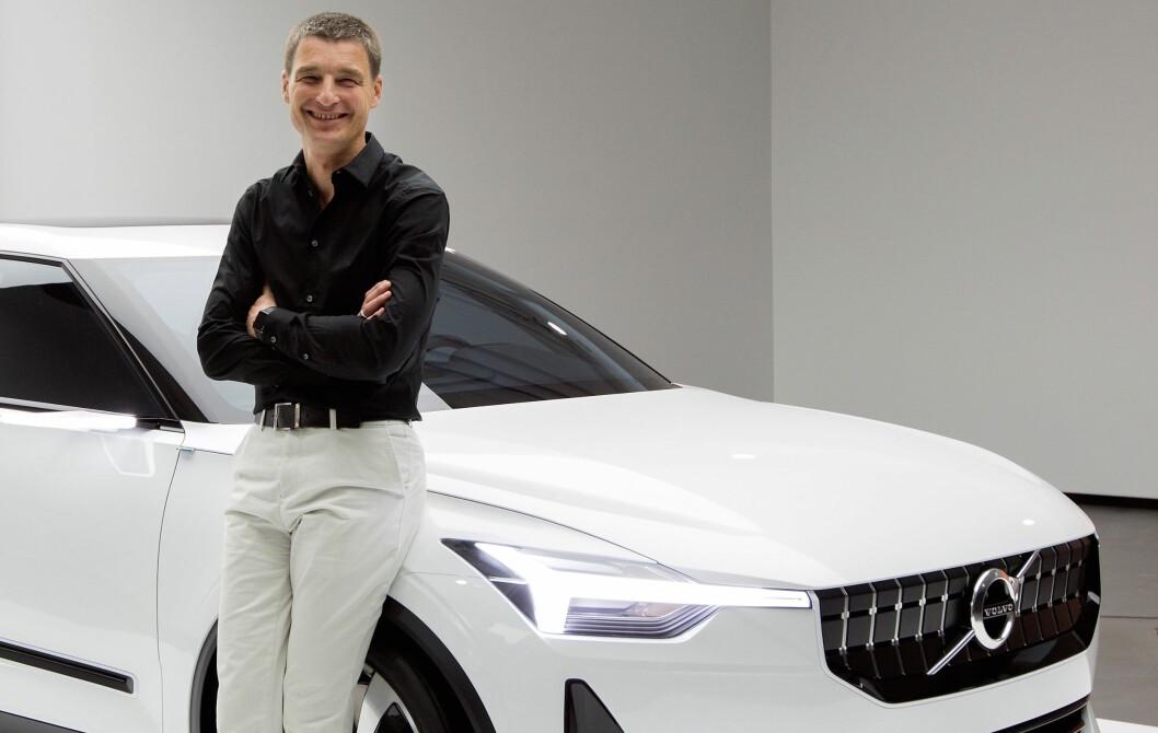 RIMELIGERE: – For å kunne tilby en bil med en rimelig pris, må vi kutte ut en de ting du vanligvis forventer å finne i en Volvo, sier designsjef Thomas Ingenlath.