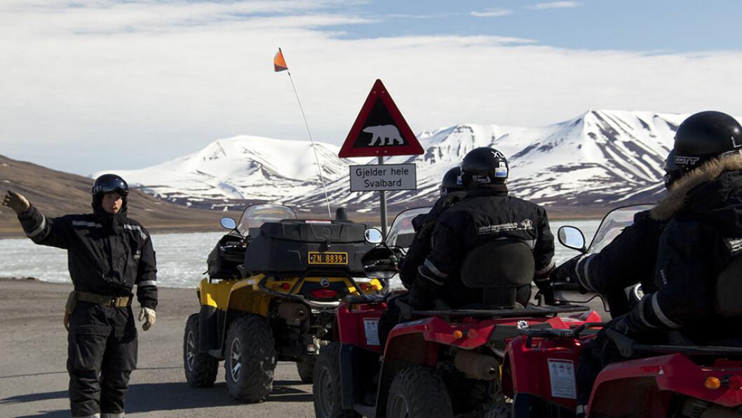 På tur med ATV gjennom Adventdalen.
