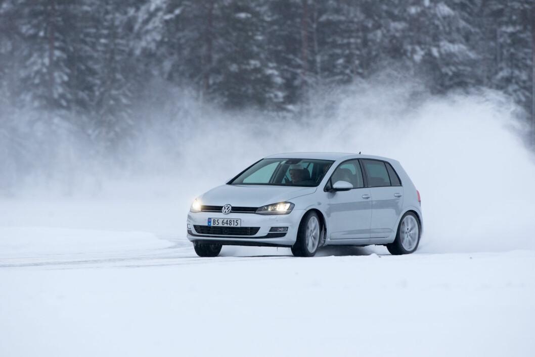 SLADDER: ABS-funksjonen på bremsene og antisladdsystemet kan slutte å virke, noe som er spesielt farlig på vinterføre. Foto: Rune Korsvoll