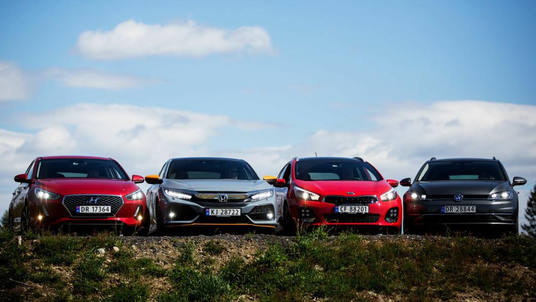 POPULÆR KLASSE: Hyundai i30 (t.v.), Honda Civic, Kia Cee'd og VW Golf har plass og pris som gjør dem populære blant mange bilkjøpere i Norge. Foto: Espen Røst