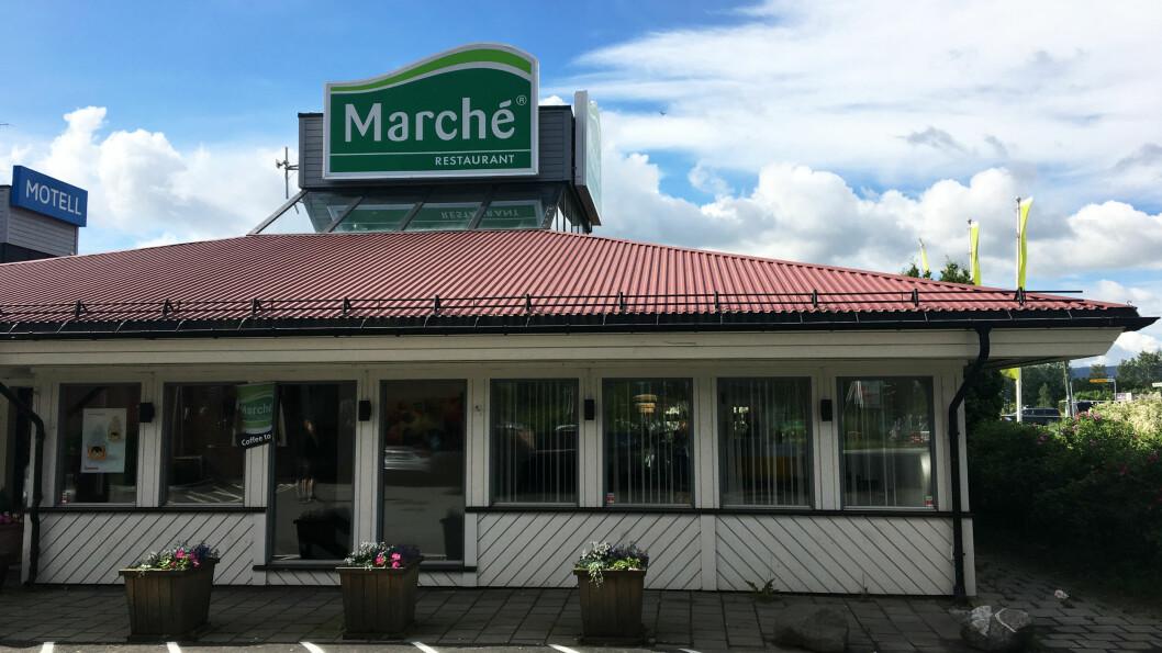 MARCHÉ LIER: Rett ved motorveien, på E18 utenfor Drammen i retning Oslo ligger Marché med ladestasjon for Tesla.