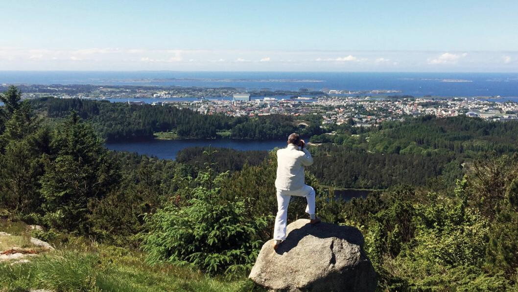 HISTORISK UTSYN: Fra Steinsfjellet ser du Haugesund, øyene og storhavet. Foto: Ingun S. Harloff