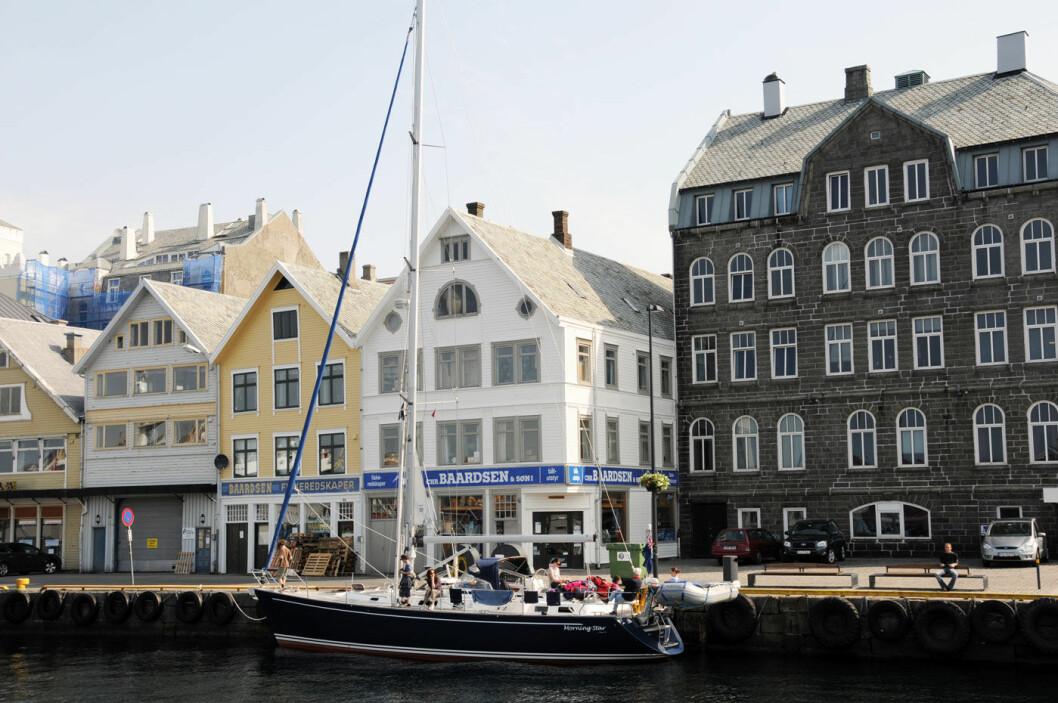 FIKK ET LØFT: Gode havneforhold og rikt sildefiske var avgjørende for framveksten av byen Haugesund. Foto: Per Roger Lauritzen