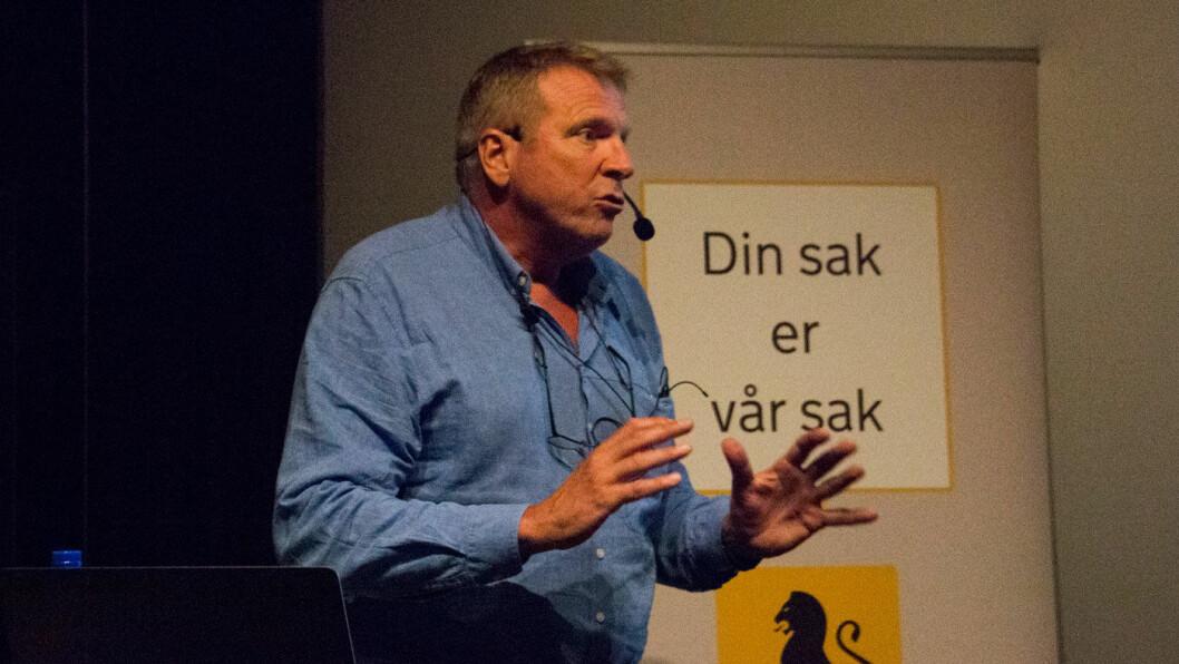 FUNKER IKKE: Dagens ordning veibruksavgift og bompenger fungerer ikke, mener TØI-forsker Kjell Werner Johansen, som mener politikerne må utrede veiprising. Foto: Peter Raaum