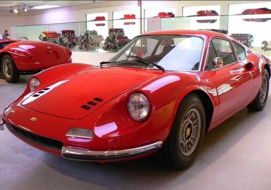 """INGEN SUKSESS: Da Ferrari bygget Dino på slutten av 60-tallet, viste det seg at kundene ikke var særlig interessert i en slik """"billig"""" bil. Foto: Ferrari Museum"""
