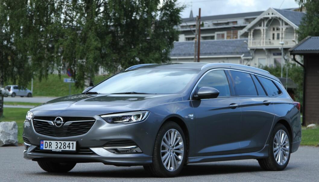 DRIFTSSIKKER: Nyeste Opel Insignia kommer på en god tredjeplass i TÜVs nyeste bruktbilundersøkelse.
