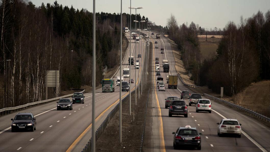 HOVEDFARTSÅRE: E6 nord for Oslo er en av hovedveiene inn til Oslo, som får omlag 85 bomstasjoner fra 2019. Foto: Espen Røst
