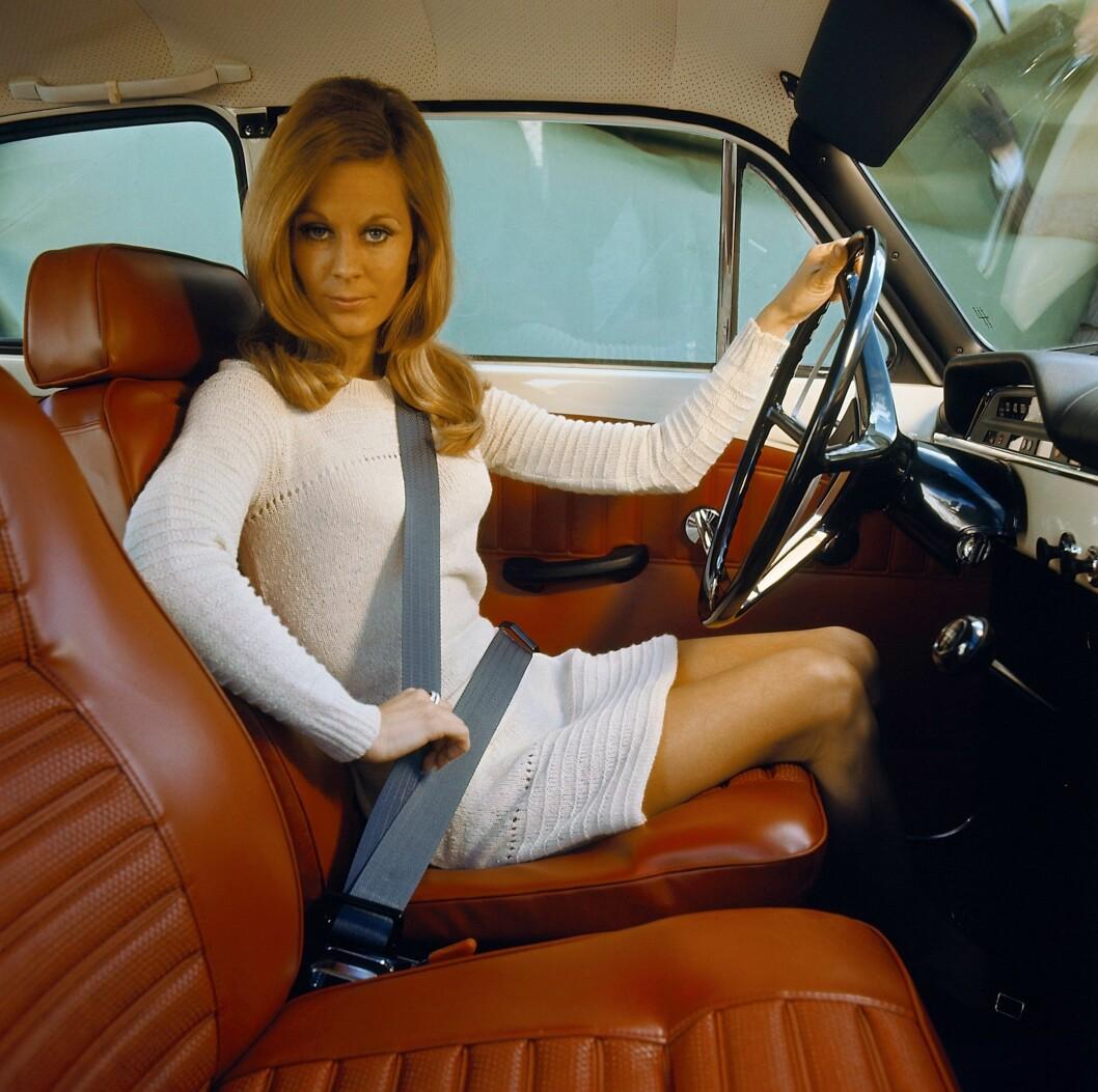 SIKKERHET: Helt siden starten har sikkerhet vært en ledestjerne i utviklingen av Volvos biler. I 1959 innførte Volvo, som første bilprodusent, trepunkts sikkerhetsbelter som standard. Foto: Volvo