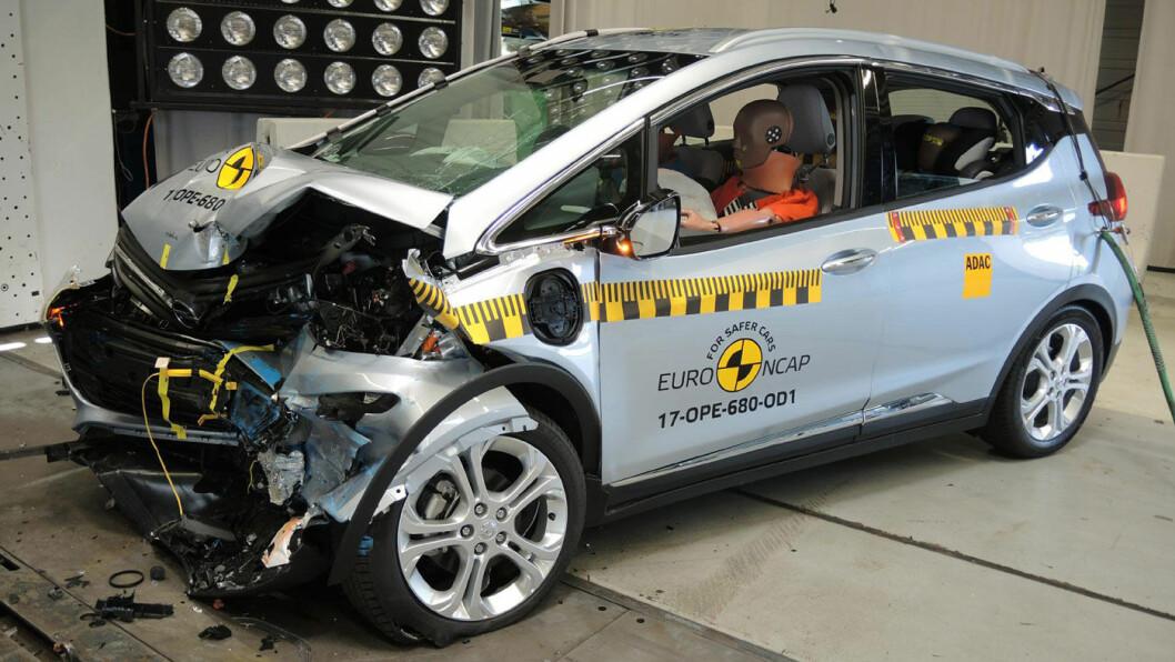 FIRE AV FEM: Opel Ampera-e nådde ikke til topps i Euro NCAPs sikkerhetstest.