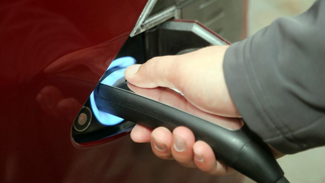 70 ER BRA: En batteriekspert anbefaler å lade Tesla-bilene, som denne Model S-utgaven, til rundt 70 prosent på daglig basis Foto: Tesla
