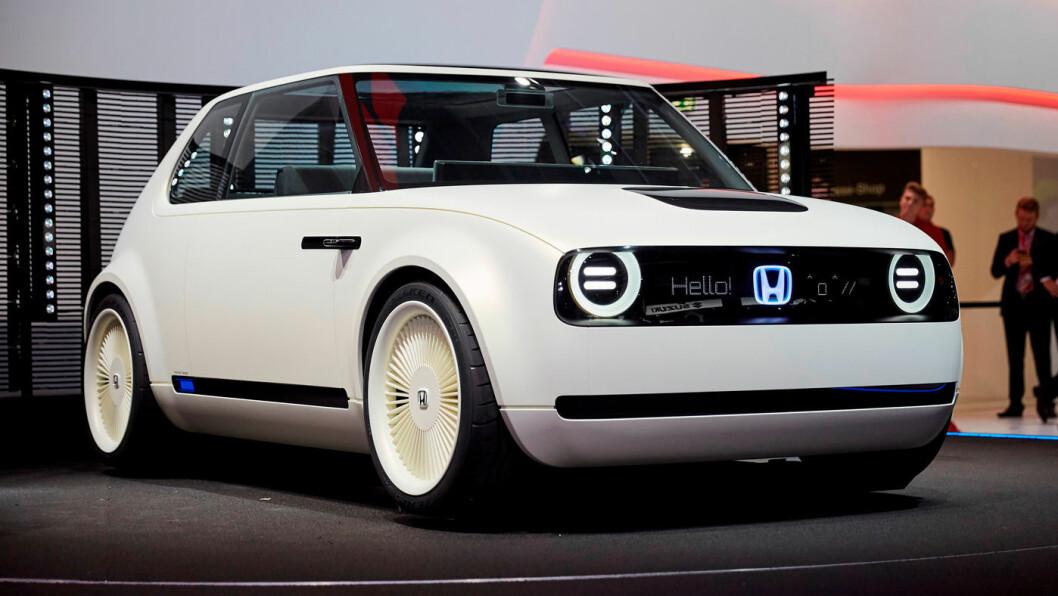 SATSER ELEKTRISK: Lille Urban EV blir Hondas første helelektriske bil når den kommer i 2019. Foto: Peter Raaum