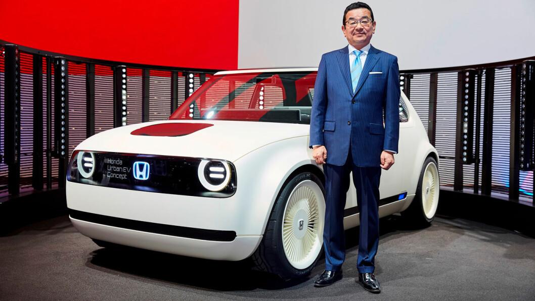 ELEKTRISK: Bykonseptet Urban EV og Honda-sjef Takahiro Hachigo.