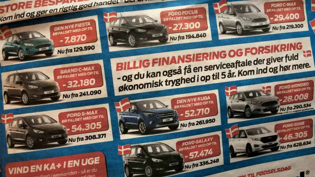 HEFTIG ANNONSERING: Etter at den nye avgiften trådte i kraft i oktober har bilforretningene annonsert heftig. Her er annonsen til en bilforhandler på Nord-Jylland. Foto: Geir Røed