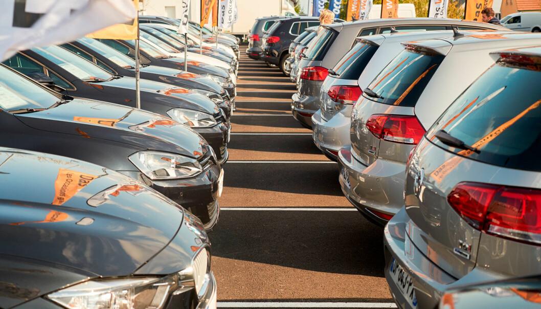 FALL: Bilsalget i januar falt kraftig i EU-området.