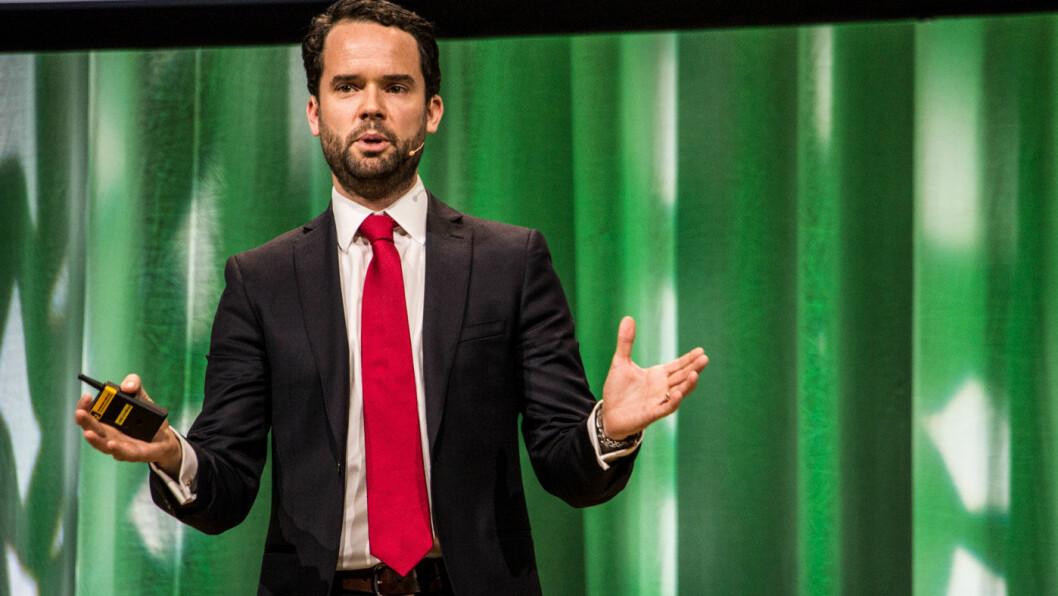 SE TIL NORGE: Det norske målet om at alle nye biler som selges i 2025 skal være elektriske, kan være for ambisiøst. – Men det viktigste er hvilke signaler det sender, sier Colin McKerracher, en av verdens ledende bilbransjeanalytikere.