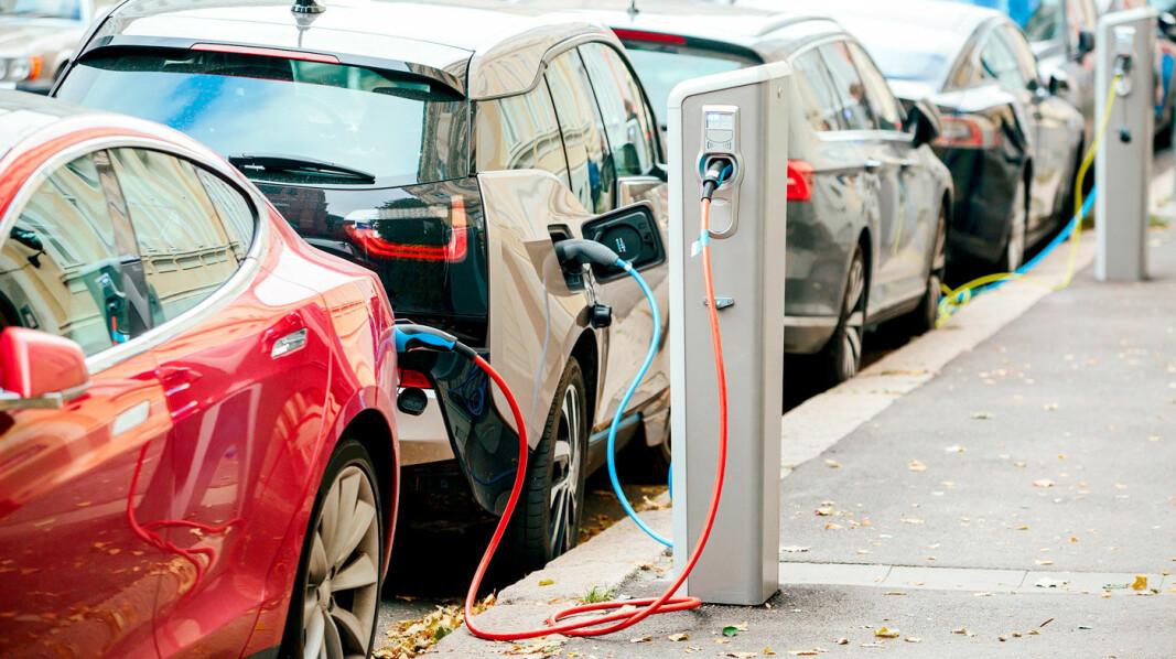 HARDT UT MOT NY AVGIFT: – Dårlig nytt for vanlige familier, sier MDG. – En pisk til alle som ennå ikke har skaffet seg elbil, sier NAF.