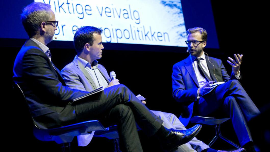 TROR PÅ NULLUTSLIPP: Nikolai Astrup (t.h.) i samtale med Zero-leder Marius Holm og SV-politikeren Bård Vegar Solhjell under Zero-konferansen i 2013. Foto: Zero