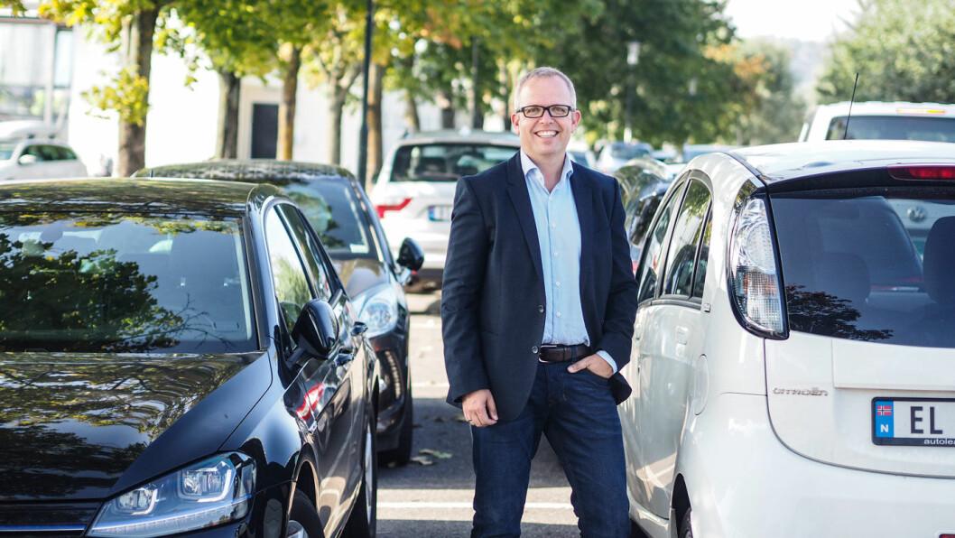 SPENT: – Vi har vært spent på hvordan dette kom til å treffe oss, men har så langt ikke merket særlig mye til konkurransen, sier produktdirektør for bil i Finn.no, Eirik Håstein. Foto: Finn.no