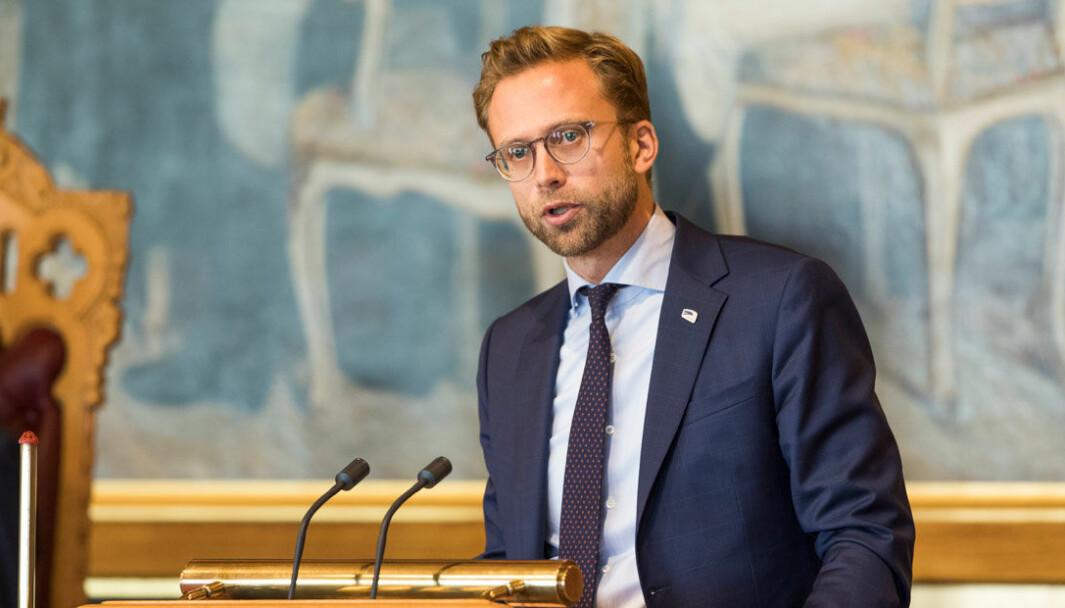 RIV BARRIERENE: Kommunal. og moderniseringsminister Nikolai Astrup.