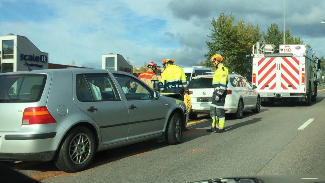 UTEN FORSIKRING: Har du ikke forsikring på bilen og krasjer, blir du ansvarlig for alle kostnadene. Nå går myndighetene til kamp mot over 130.000 eiere av kjøretøyer uten forsikring. Foto: Rune Korsvoll
