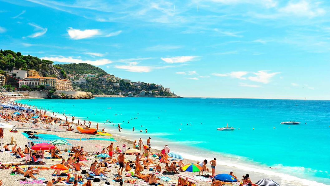 SOLRIKE DAGER: Nice kombinerer det beste av to verdener - storbyfølelsen og late dager på stranden.
