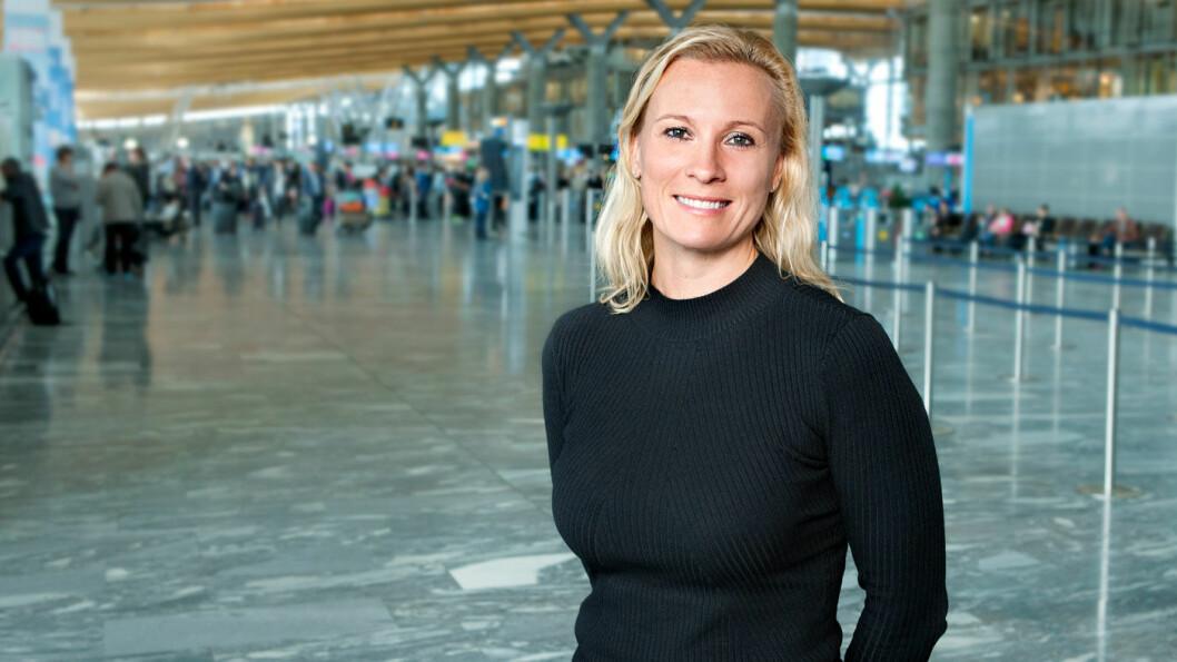 SKAL BLI LIKERE: Om en stund blir kyssetiden standardisert på alle de store flyplassene, forteller Gurli Høeg Ulverud i Avinor. Foto: Avinor