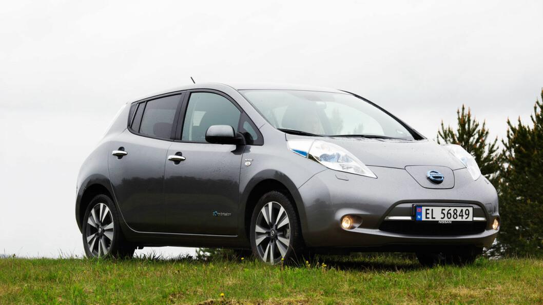 UVANLIG ELBIL: Da Nissan Leaf kom, var den noe så sjeldent som en elbil på størrelse med VW Golf, med høy sikkerhet og god kjørekomfort. Foto: Nina Ruud
