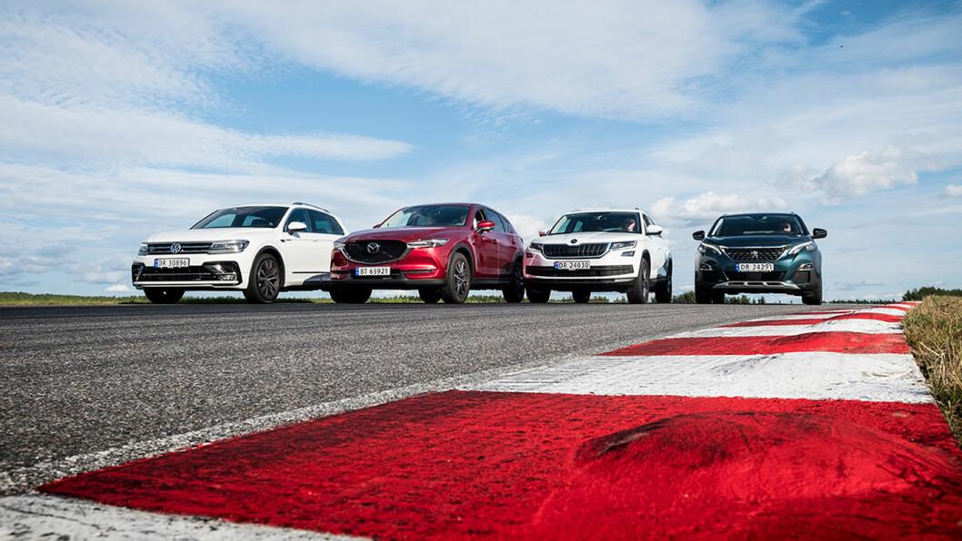 TESTET: Disse fire SUV'ene er populære blant norske bilkjøpere. To av dem scoret over 80 poeng av 100 hos våre eksperter. Fra venstre: VW Tiguan, Mazda CX-5, Skoda Kodiaq og Peugeot 5008. Foto: Jon Terje Hellgren Hansen