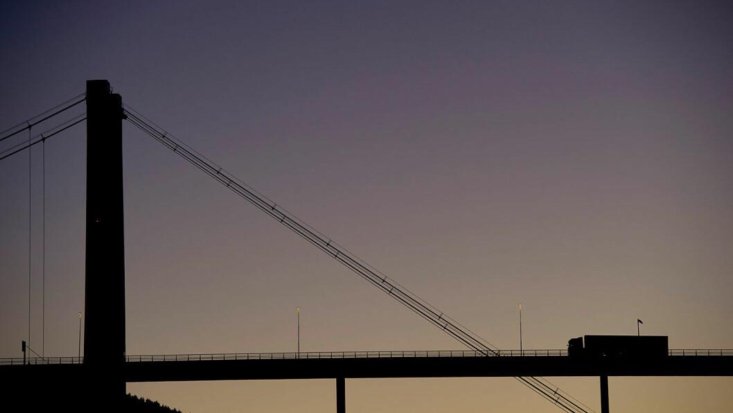 NORSKE BYGGEKLOSSER: –Det en dårlig idé å finansiere utbygging av store prosjekter gjennom årlige bevilgninger og budsjettforhandlinger, mener tidligere vegsjef Sidsel Sandelien i Statens Vegvesen Foto: Jon Terje Hellgren Hansen