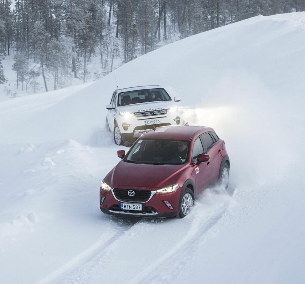 TIL TOPPS: Med firehjulstrekk kommer du deg opp bakken, selv når vinteren er på sitt barskeste. Men noen er bedre enn de andre. Foto: MARKUS PENTIKÄINEN