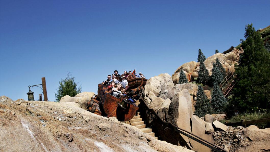KILER I MAGEN: Florida er kjent for fornøyelsesparker. Det er full fart i Magic Mountain i Disney World i Orlando.