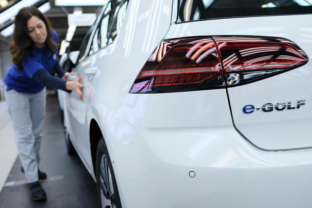 REKORDTALL: Volkswagen solgte omlag 10,7 millioner biler i 2017. e-Golf var en salgsvinner i Norge med 6600 solgte. Foto: Volkswagen