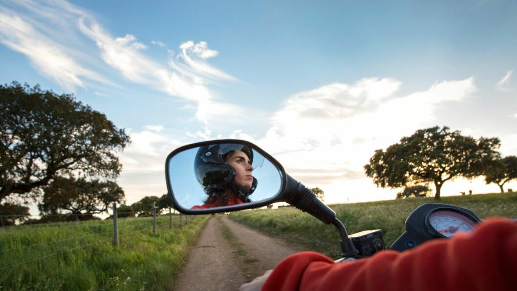 LETT Å KOMME RUNDT: Utenfor de store byene er det lite trafikk. Foto: Mette Randem