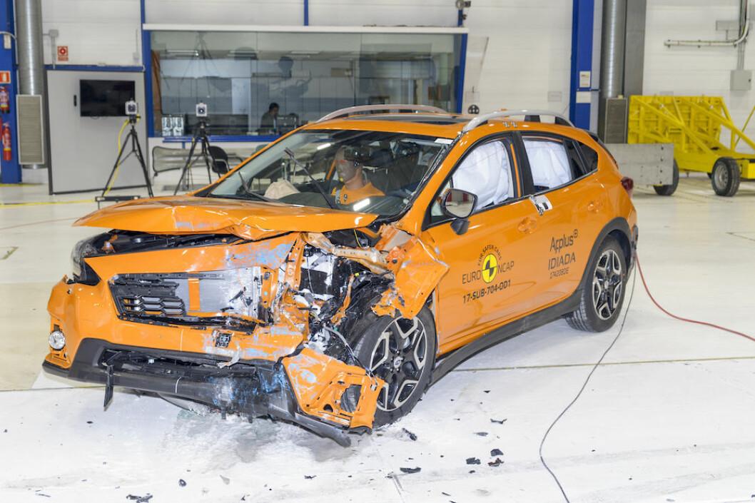SIKKER: Nye Subaru XV kåres av EurNCAP til den sikreste bilen i klassen for små familiebiler.Fronten absorberer kollisjonskreftene, mens kupeen er inntakt. Foto: EuroNCAP