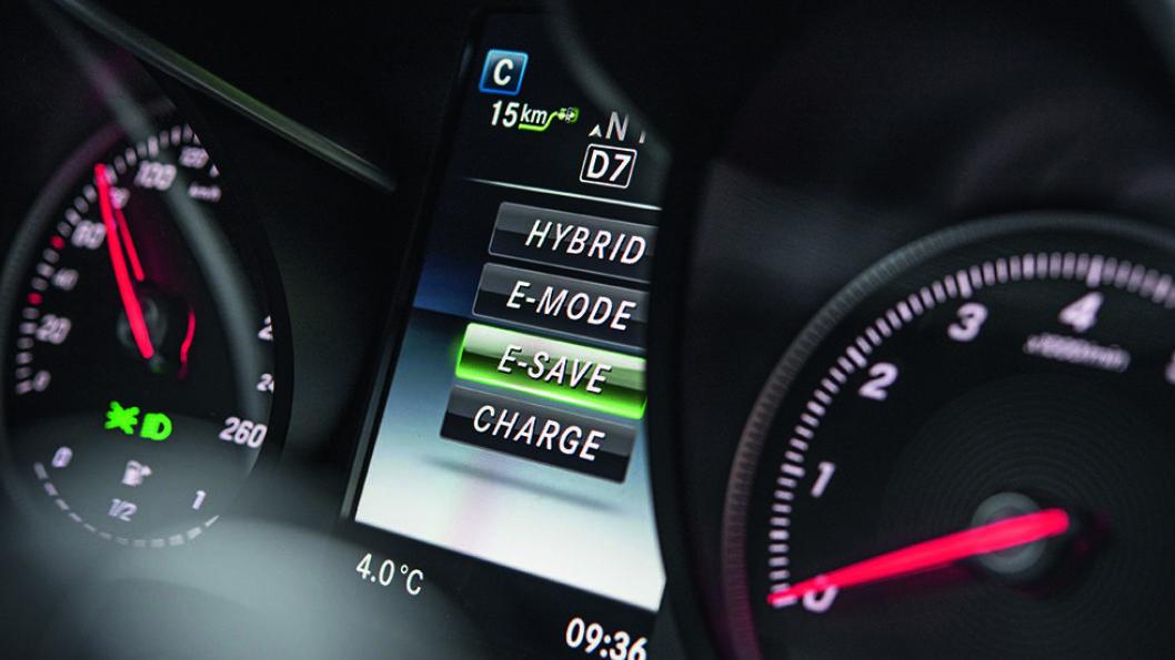 Instrumentpanelet i bilene er informativt og innbyr til økonomisk kjøring.