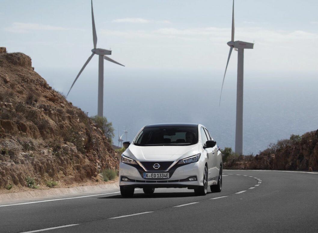 60.000 I BONUS: Etter 1. juli får svenskene 60.000 kroner i rabatt dersom de kjøper en elbil som Nissan Leaf. Bensin- og dieselbiler får en ekstra avgift på opp mot 10.000 kroner i året. Foto: Nissan