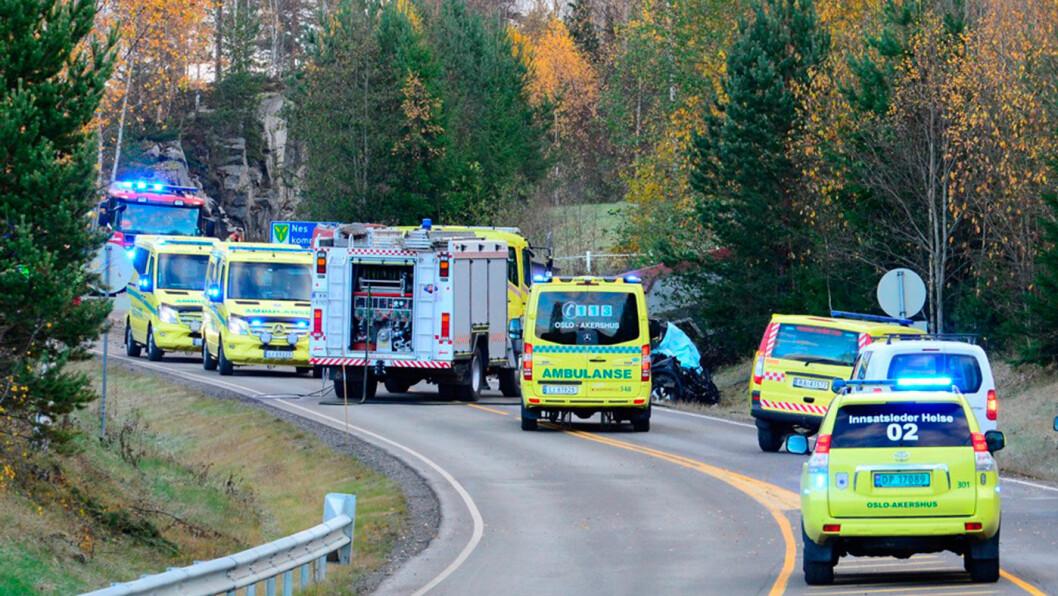 LAVERE DØDSTALL: Trenden med nedgang i dødsuylykker, som denne på Rånåsfoss i Akershus i oktober, fortsatte i 2017. Foto: Remi B. Presttun, NTB / scanpix